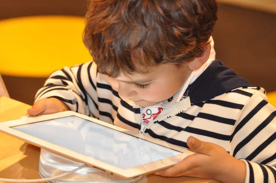Is tablet en smartphone gebruik wel zo schadelijk?
