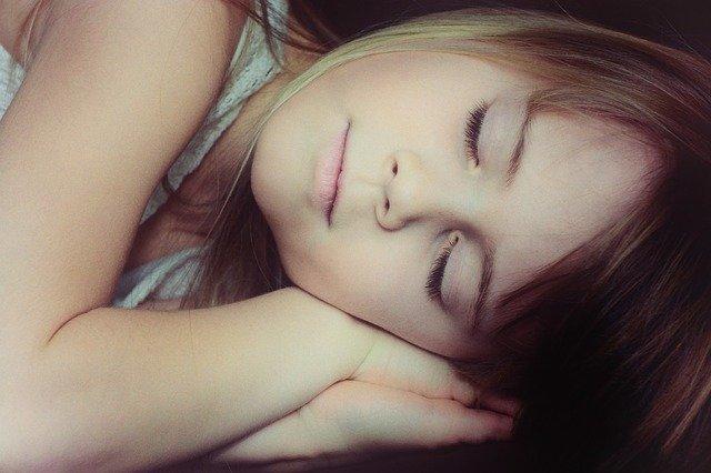 Hoe zorg je ervoor dat je hyperactieve kind een goede nachtrust krijgt?