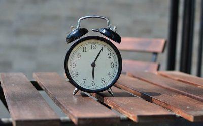 Het is één voor zes | Leren klokkijken best lastig