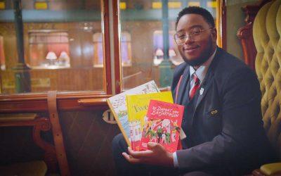 Voorleesconducteur via live video in de klas tijdens de Kinderboekenweek 2020